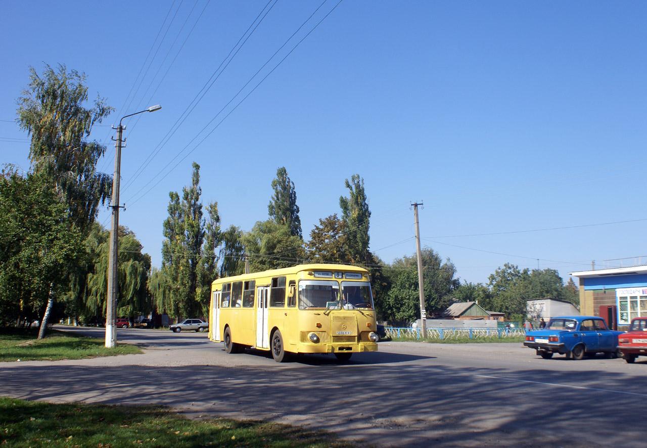ЛиАЗ-677М №5086 КХО на маршруті 9. Київська область, Яготин, вул. Робітнича