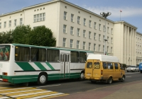 Ikarus-260(?) №?? 7616, ГАЗ-322133 №АЕ 6435. Брест
