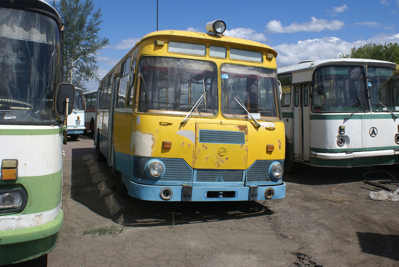 ЛиАЗ-677М. Київська область, Бородянка