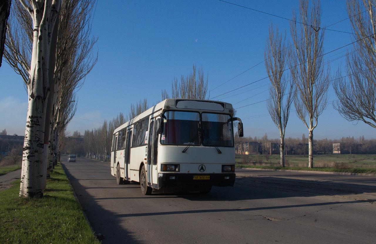 ЛАЗ-52528 №АЕ 3650 АА. Дніпропетровська область, Кривий Ріг, вул. Рязанова