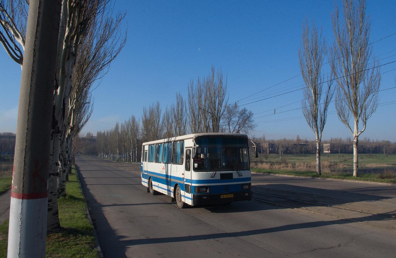 ЛАЗ-4207 №АЕ 4053 АА. Дніпропетровська область, Кривий Ріг, вул. Рязанова
